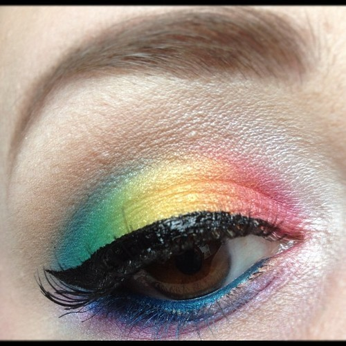 tried my hand at a rainbow look. :D http://scarahscrewdiva.tumblr.com/