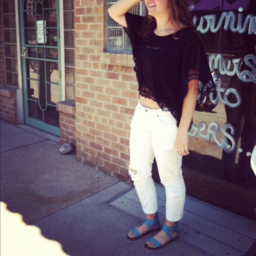 "Free People top, Joe's white jean capris, Steve Madden ""Bethany"" sandal in turquoise"