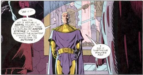 "onepanel:  Adrian Viedt has read the ""Evil Overlord"" list Watchmen #11"