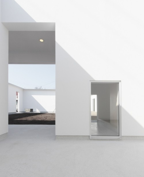 nicoonmars:  House of Seven Gardens Ikimono Architects