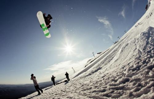 By: Owen Ringwall - East Snowboard Mag