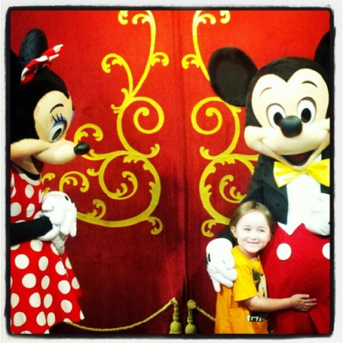 #thekid #mickey #minnie #magickingdom #disney  (Taken with Instagram)