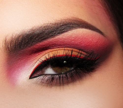 A beautiful fiery eye look from Joanna F.!
