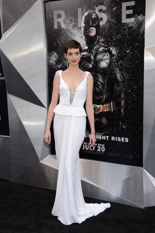 suicideblonde:  Anne Hathaway at the NYC premiere of The Dark Knight Rises, July 16th