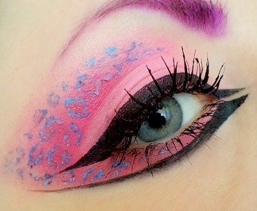 Cool makeup! (via Pink Leopard | Lulu C. | Beautylish)