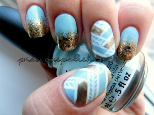 couturecourier:  Woven Gold by Brittney W. | Beautylish - I want to try this!  Fun funky nails.