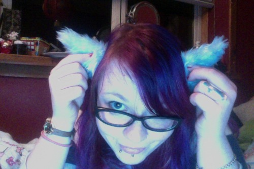 lylolikesapples:  wee horns for Chris's Sulley costume   DID NOT SEE THIS LAST NIGHT. EEP