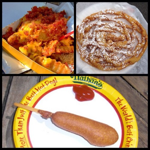 #TodaysLook #QOTD: You pick: corn dog, bacon cheese fries, or funnel cake? http://todayslook.com (Taken with Instagram)