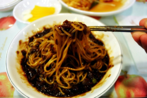 thatkoreanfood:  Jajangmyeon follow www.thatkoreanfood.tumblr.com for more!