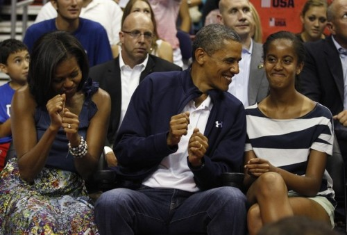 effinglioness:  apsies:  Embarrassing parents, Malia has them too!  i want this framed