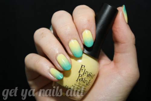 hey hey ombré at get ya nails did Finger Paints Lemon SourZoya Wednesday