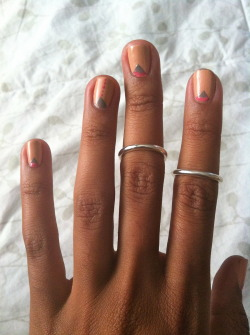 alaea:  love the balance between the intricate nail design and simple rings