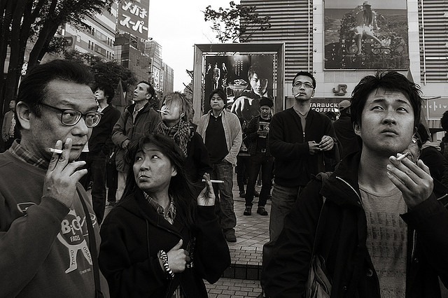 shinjuku_smokers03-800 by persimmonous.jp on Flickr.