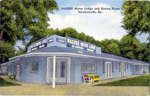 Massee Motor Lodge & Dining Room, Hawkinsville Postcard