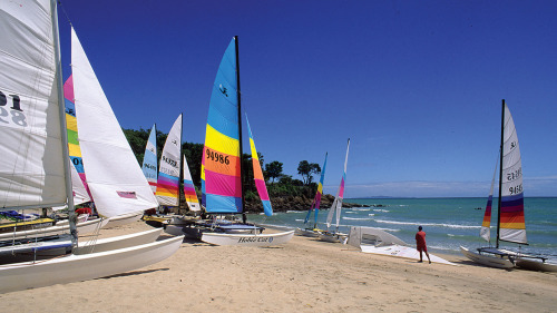 Sukjai invites you guys to join Samui International Sailboat Competition 2012, from now - July 31, 2012. You can call 077-420-504 for more information about this event ka! >.<