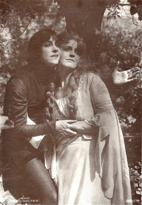 theloudestvoice:  Asta Nielsen and Lilly Jacobson, Hamlet, 1921