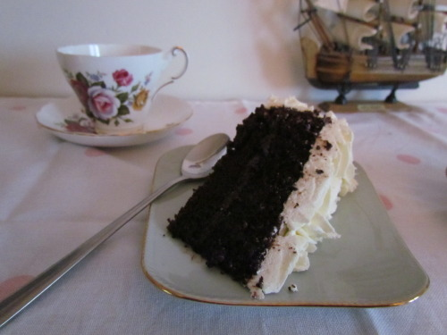 Chocolate Cake with White Chocolate Icing