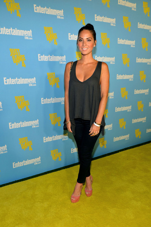 nsbg:  OLIVIA MUNN at Entertainment Weekly Party