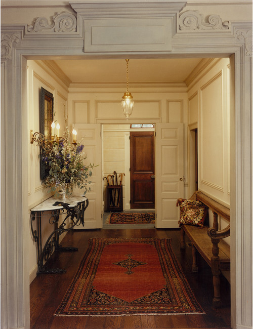 Traditional entry, Boston. Solomon+Bauer+Giambastiani Architects.