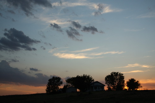 1june2012 Home on the RangeThe sky is the big event of the high plains.