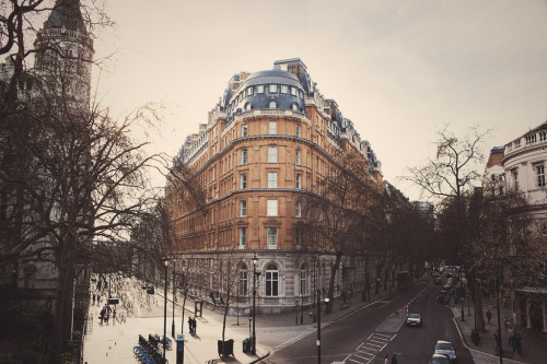 allthingseurope:  A tiny piece of London (by In Memory Lane~)
