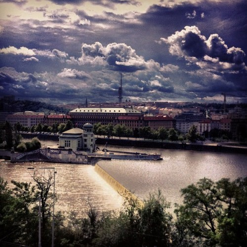 A storm is coming #prague #praha #prag #city #overview #scenery #clouds #cloudy #storm #epic #horizon #river #watergate #overlook #iphone4 #iphoneonly #cameraplus #chezrepublic  (Taken with Instagram at Prague)