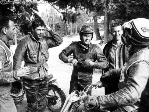 mototerra:  Steve McQueen and friends…
