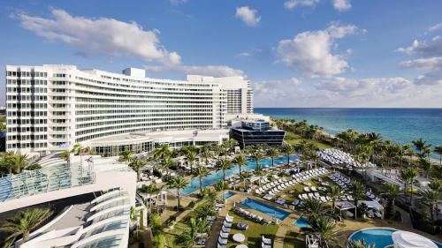 travelchannel:  Fontainebleau, Miami, FL (via Fontainebleau : Daily Escape : Travel Channel)