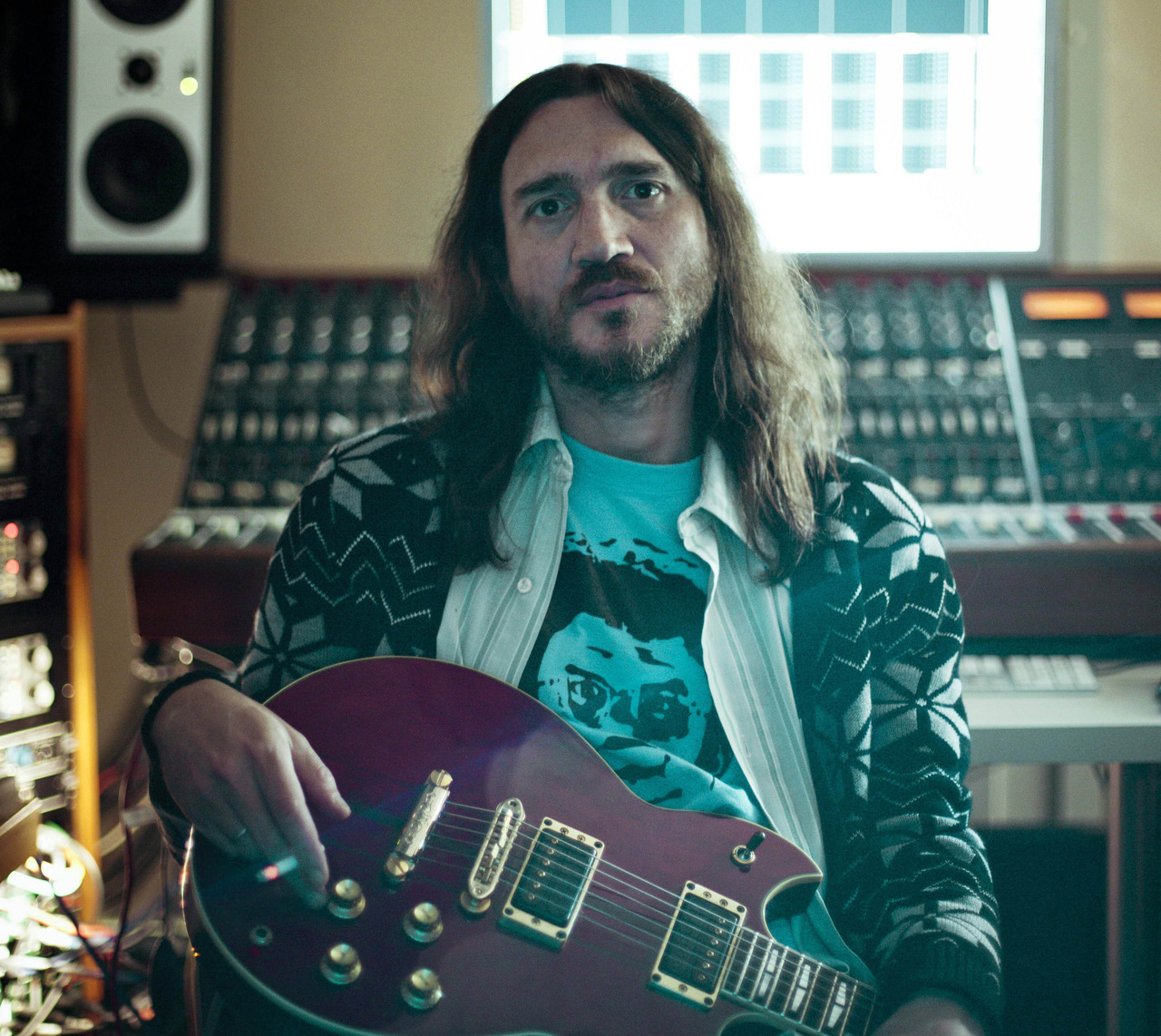 Letur-Lefr redhotchilipeppersfansite:  New photo of John Frusciante. By Mike Piscitelli.