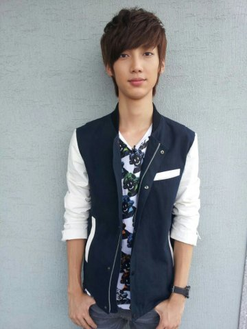 bestfriendloveboyfriend:  Kwangmin's sponsor photo (via: 赵光敏吧官方微博) | via @G_GirlFriend