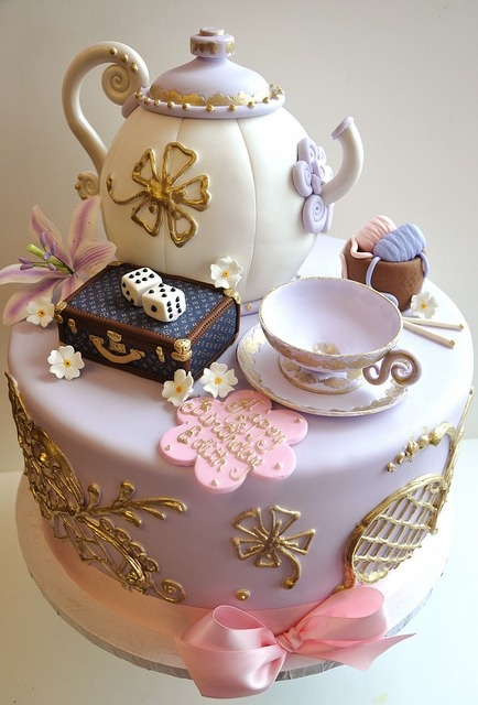 belaquadros:  Tea Party Cake :)