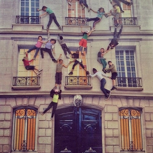 photojojo:  Amazing. michaeloneal:  The coolest class trip ever. (Taken with Instagram)