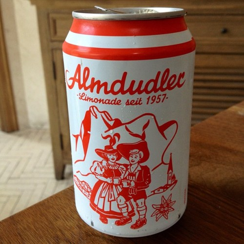 laughingsquid:  Almdudler Limonade  Ja mei…