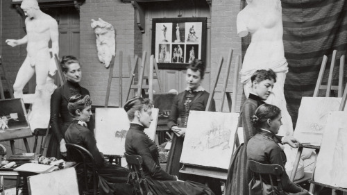 artistandstudio:  Vintage Pratt Institute Art Class.   Pratt Institute Archives  Painting ladies.