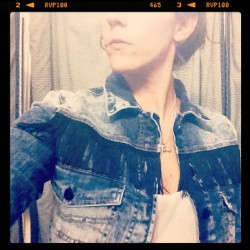 FRINGES JACKET (Tomada con Instagram)
