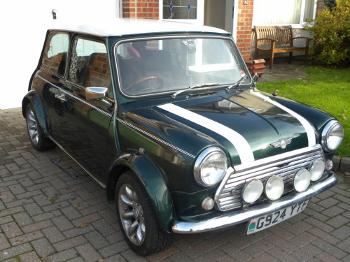 My 1989 Mini Cooper, Bert. He was my first car and I miss him dearly! Bert was you first car!? Wow, I can't imagine what car you have today jaja.  Thanks veru much!