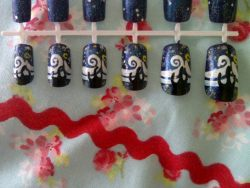 emmysnails:  Van Gogh's Starry Night nail set.