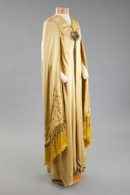 Coat 1923-1925 The Goldstein Museum of Design