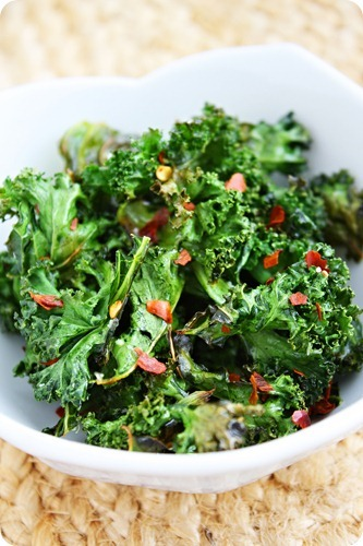 VEGAN DAILY RECIPE:  Spicy Baked Kale Chips