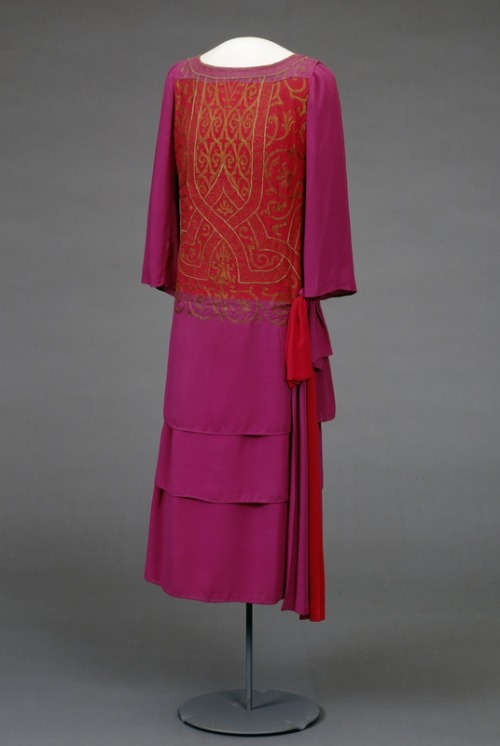 omgthatdress:  Dress 1926 Nasjonalmuseet for Kunst, Arketektur og Design