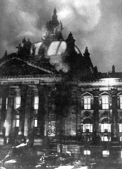 What does the Reichstag fire of 1933, 2012, barry obama, valerie jarrett and david axelrod all have in common? …time will tell