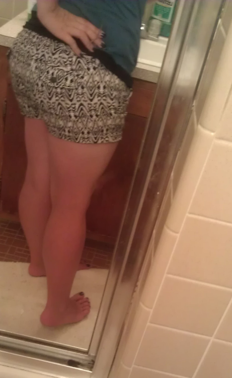 bettertoloveandlose:  More new shorts :)  sexy ;)