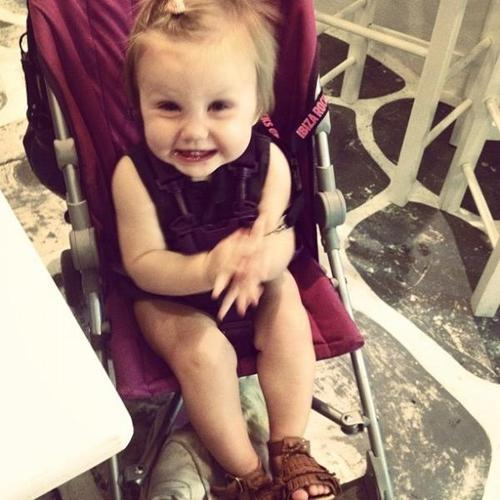 unofficialonedirectionstalkers:  Baby Lux is about the most adorable thing ever.  Aww