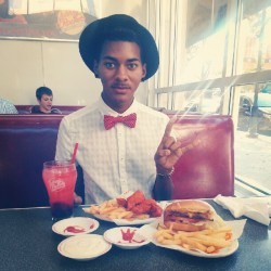egyptianglitterprince:  #JohnnyRockets <3 (Taken with Instagram)