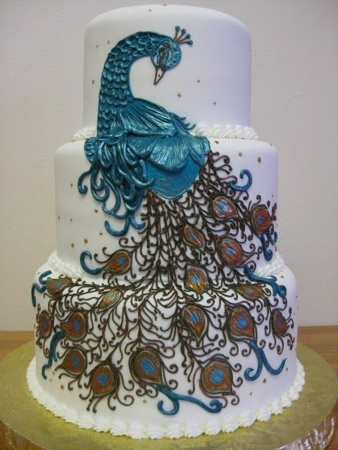 Peacocks seem to be trending in cakes right now, so many pretty interpretations!