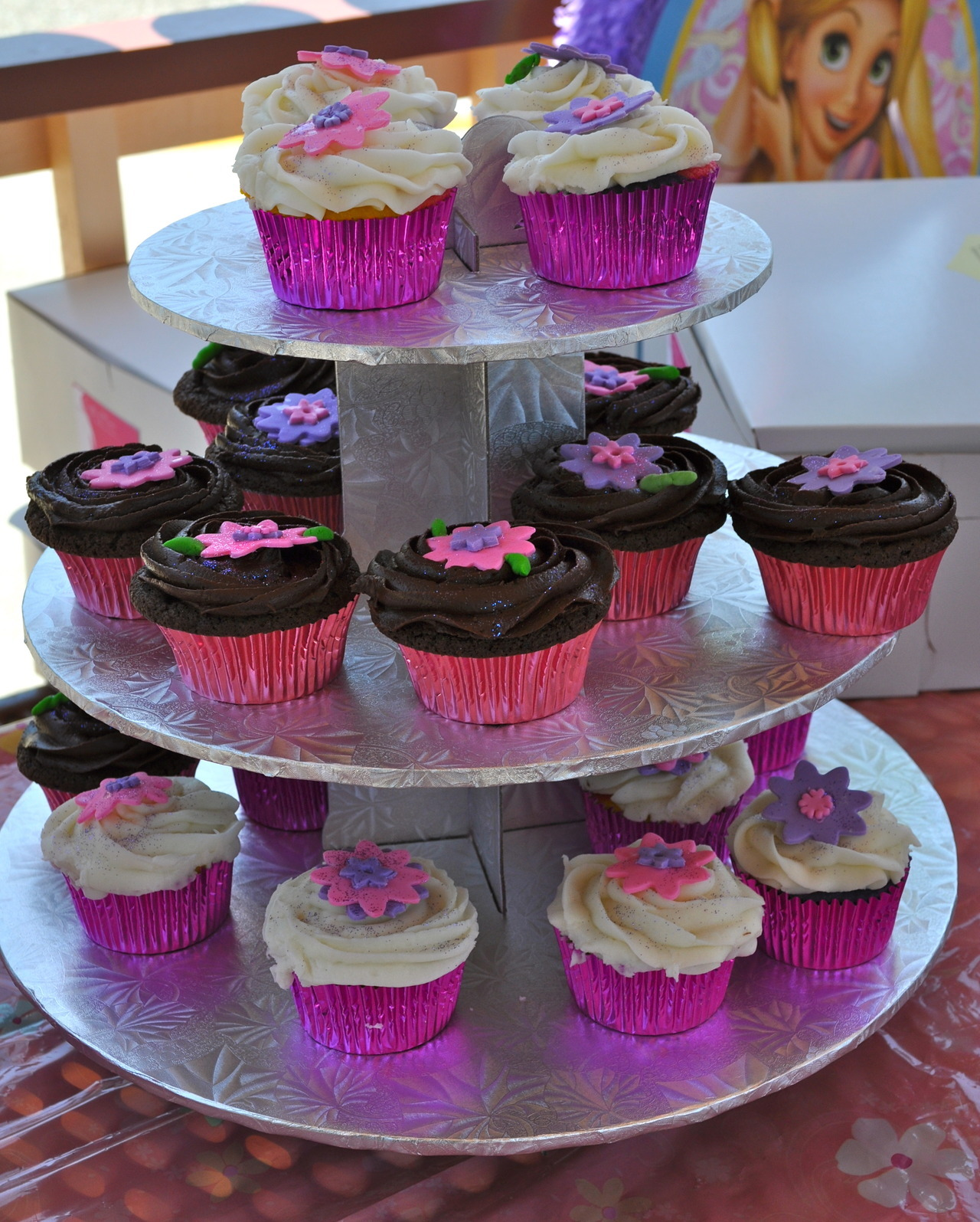 Chocolate and Vanilla Cupcakes  Made by: Maura Bogni-Rodriguez