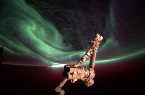 "fyeahuniverse: The Southern Lights, ""Aurora Australis"",  from the International Space Station.  (photo by Joe Acaba)"