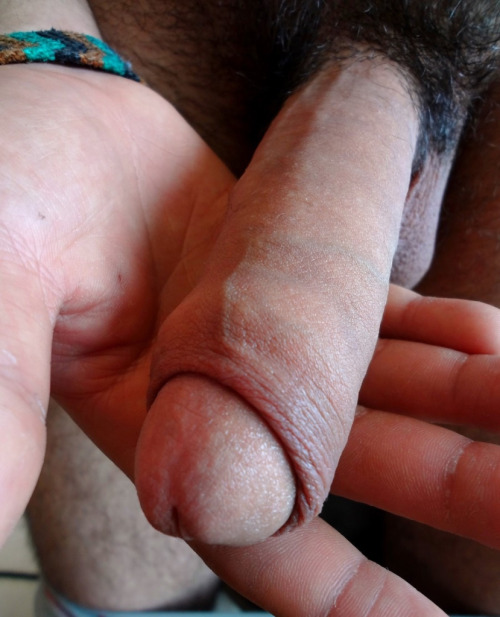 thefagbl0g:  Follow for more Wankable pictures its like hes offering that huge piece of man meat to me, i would gladly take a taste. UNF
