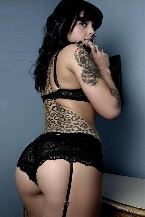 "killerkurves:  The leopard lady. [follow for LOADS more like this] - Certified #KillerKurves   Really? The ""leopard lady?"" -_-"