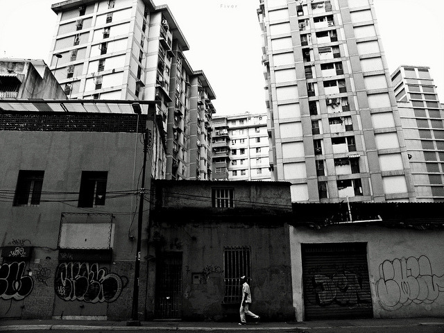 contrastada on Flickr.esparce Caracas @FiverWeed twitter / flickr / blogger / tumblr